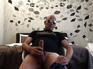 बेडरूम में str8 पिताजी खेलना