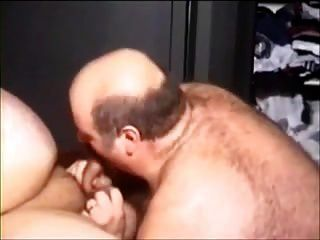 दो सेक्सी गलफुल्ला आदमी इस पर जा रहे हैं