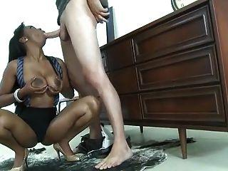 बड़ी चूची चूसना और titty बकवास