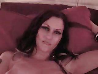 लिलिथ masturbates