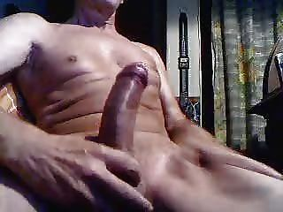 मेरे कैमरे के सामने masturbating