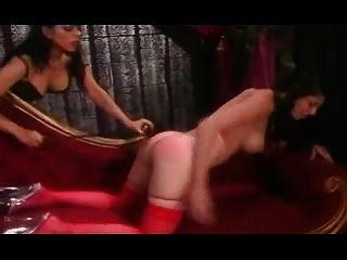 लाल मोज़ा में spanked