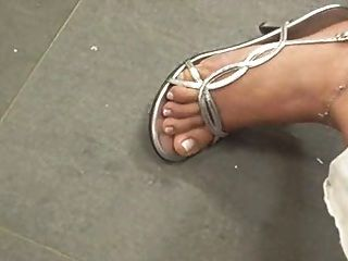 सेक्सी पैर और ऊँची एड़ी 8