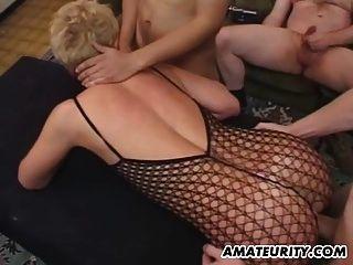 फेशियल के साथ शौकिया प्रेमिका गुदा नंगा नाच