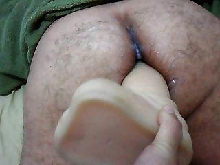 पत्नी अपने पति को बंद ऊपर गधे में बड़े dildo पर strapon