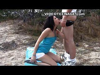 समुद्र तट पर सेक्स किशोर