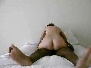 पत्नी अपने पति और cums सवारी (cuck)