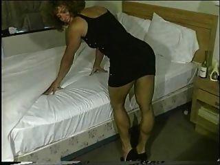 छोटी काली पोशाक