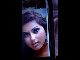 भारतीय तमिल अभिनेत्री नांमिता को सह श्रद्धांजलि