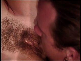 सेक्सी photoshoot श्यामला श्यामला के लिए जंगली सेक्स हो जाता है