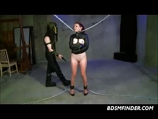 जंजीर spanked और toyed