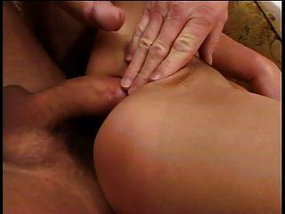 गुदा कार्रवाई में सेक्सी श्यामला