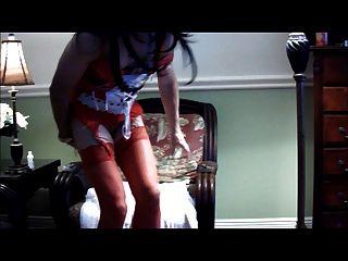एंड्रिया लाल नीचे पहनने के कपड़ा में फूहड़