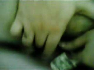 महान शरीर के साथ अरब महिला फर्श पर fucked