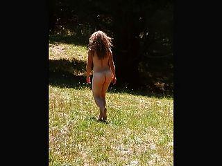 मेरी सेक्सी लड़की उसे प्यारा गधा चलती है