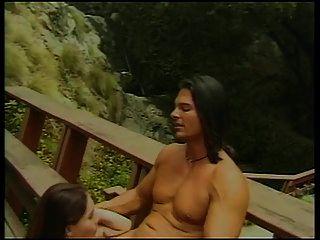 श्यामला बेब के साथ छोटे स्तन उसे बिल्ली पाला और fucked हो जाता है