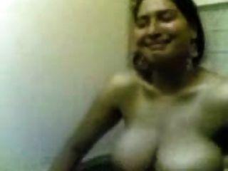 मेरी गर्म पत्नी के बड़े स्तन और प्यारा चेहरा जेपी spl
