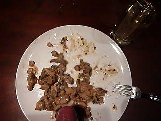 सह पर भोजन के साथ सह