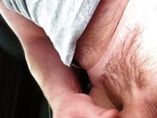 मेरी मर्सिडीज कार में सह शॉट के साथ पुरुष हस्तमैथुन