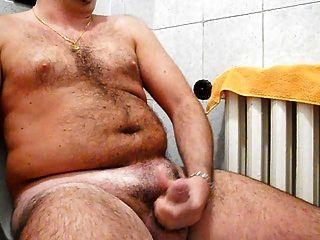 मेगा सह शॉट के साथ बाथरूम में मेरी मुश्किल मुर्गा wanking