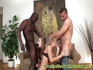 दो गर्म गोरा के लिए समूह सेक्स
