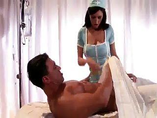 busty नर्स उसके रोगी fucks