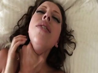 सेक्सी लड़की के लिए गहरी गुदा