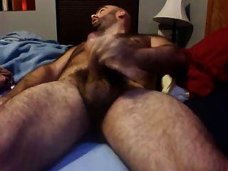 paja de osazo en su cama