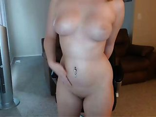 प्यारा और सेक्सी गोरा बेब कैम शो
