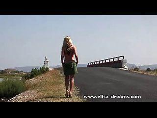 कामुक फिल्म और सड़क पर फिल्म में नग्न
