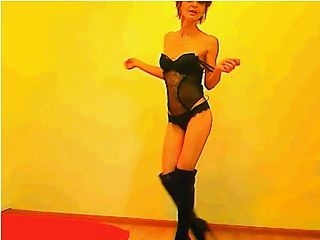 सेक्सी 52 साल पुराना गिल्फ नृत्य (गैर नग्न)