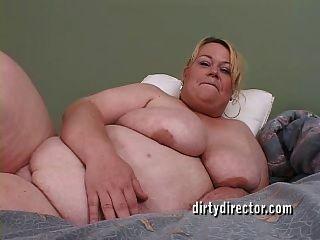 बड़ा titty बीबीडब्ल्यू उसके विशाल गधे fucked प्यार करता है