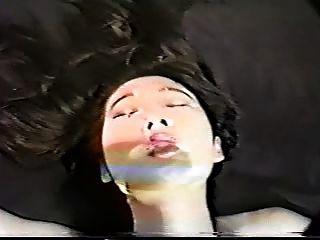 जापानी महिला निगल 11