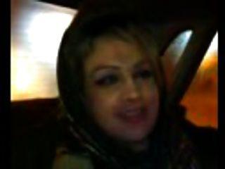 टैक्सी में अरब शौकिया blowjob