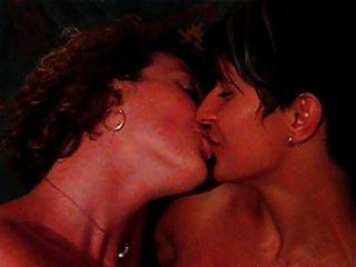 समलैंगिक चुंबन lsebians चुंबन लेस्लेसीस besandose milf स्विंग