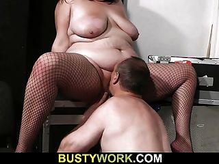 वह सेक्स में वसा की चक्कर लाहता है