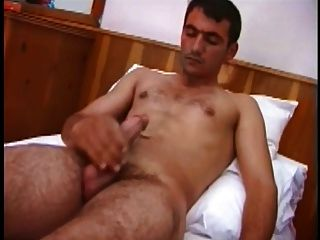 सींगदार तुर्की आदमी cumshot