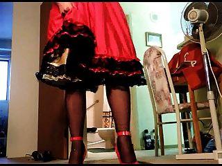 सेक्सी रे अपस्कर्ट 9 5 इंच लाल ऊँची एड़ी के जूते पहने हुए