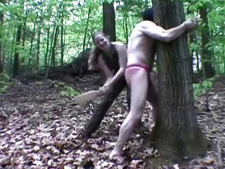 बंधे और बाहर spanked
