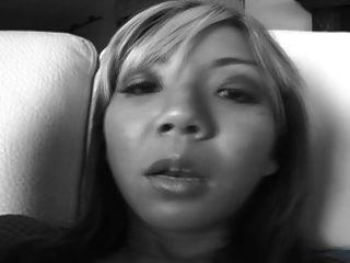 एक डीपी लालसा के साथ कीनी ली एशियाई वेश्या