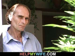 सेक्सी पत्नी ने अपने पुराने पति को व्यभिचार किया