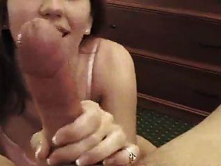 सेक्सी हस्तमैथुन और footjob