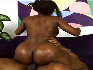 आश्चर्यजनक काले milf बड़े स्तन गोल गधा अच्छा सेक्स