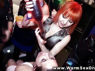 नारंगी पर पार्टी sluts गर्म उच्च def में डिक के साथ पटक दिया