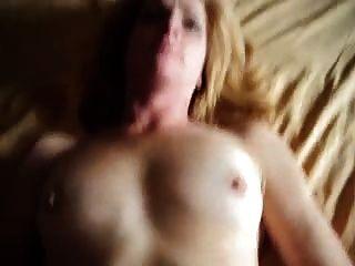 पत्नी fucks और बड़ा चेहरे लेता है