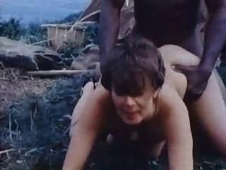 जंगल क्लिप में सफेद महिला गड़बड़ 2