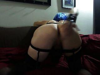 सेक्सी tasha नीले बाल गर्म काले स्कर्ट मोज़ा crossdresser