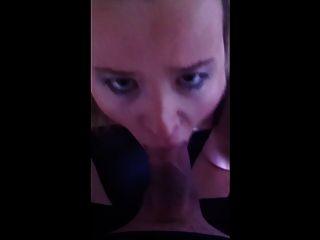 नीली ब्रा सफेद लड़की blowjob चेहरे का