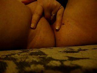 एमेच्योर बड़े स्तन हुक BBW एक dildo संकलन के साथ खेल रहा है
