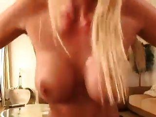 ब्रिटिश सौंदर्य के साथ पीओवी सेक्स